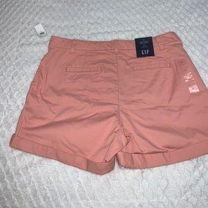 Gap Girlfriend Khaki shorts
